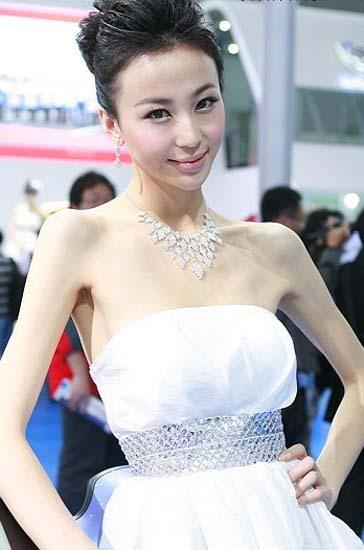 \[车模\]2010北京国际车展性感女车模\(12\)