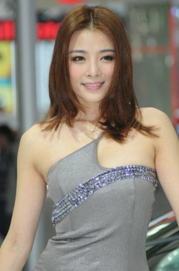 \[车模\]2010北京国际车展性感女车模\(9\)