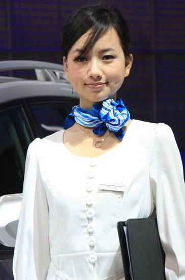 \[车模\]2010北京国际车展性感女车模\(4\)