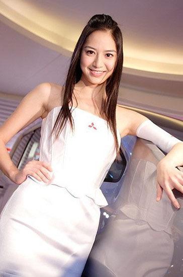 \[车模\]2010北京国际车展性感女车模\(7\)