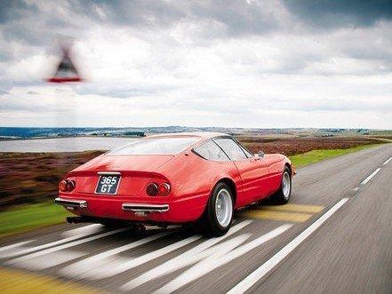 经典对决 兰博基尼Miura与法拉利Daytona