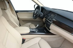 宝马X5第二代中期改款 6月30日国内上市