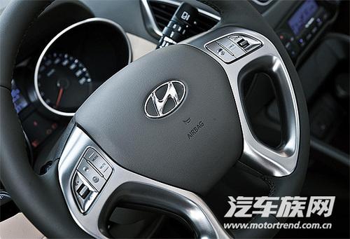 对比试驾大众途观/现代ix35/本田CR-V