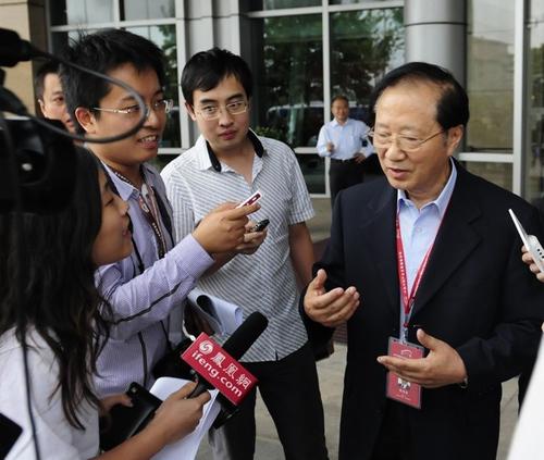 陈清泰:产业结构升级的关键是发展模式的升级