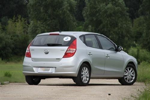 最新家用车首选 10-15万紧凑级两厢车型推荐(7)