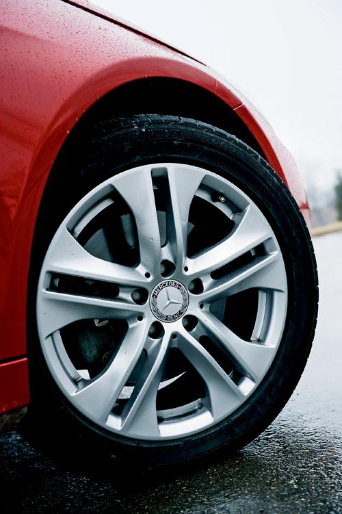 奔驰E350 Coupe对比试驾奥迪A5 激情对对碰(3)