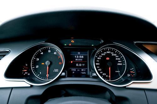 奔驰E350 Coupe对比试驾奥迪A5 激情对对碰