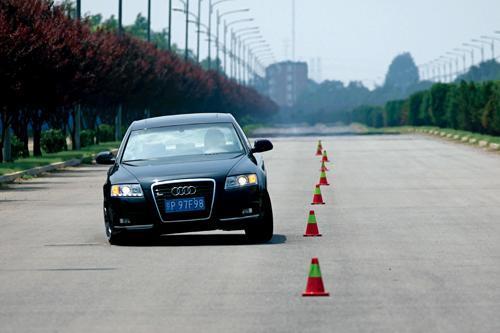 捷豹XF/奥迪A6L/宝马5系对比试驾 三车拍案