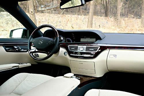三款主流混合动力轿车对比试驾 触摸未来(2)