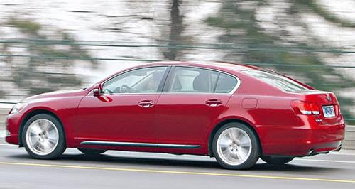三款主流混合动力轿车对比试驾 触摸未来(3)