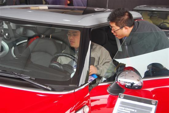北京燕宝参加第八届北京国际商务车展