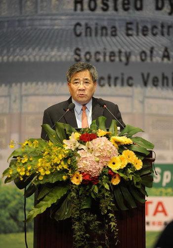 吴邦国:将节能和新能源车作为产业发展方向