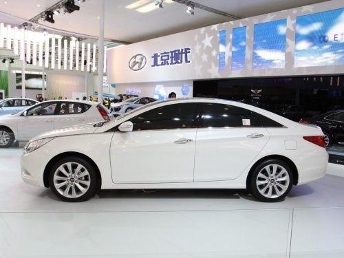 现代新索纳塔YF明年4月上市 将亮相广州车展