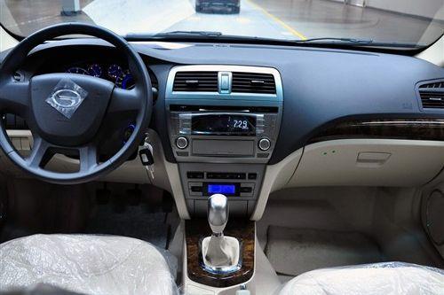 广汽首款自主轿车传祺广州车展上市 预售14万