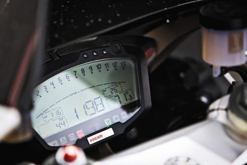 试驾法拉利458奥克利改装版 潜能完全释放(3)