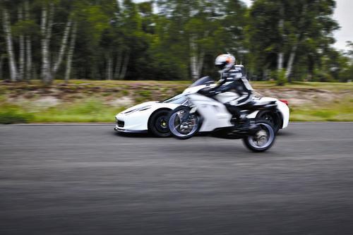 试驾法拉利458奥克利改装版 潜能完全释放