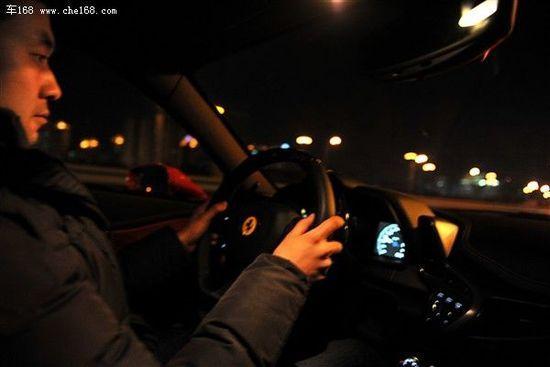那一抹红色的记忆 试驾法拉利458 Italia