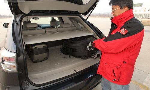 测试雷克萨斯RX270豪华版 小排量降低门槛
