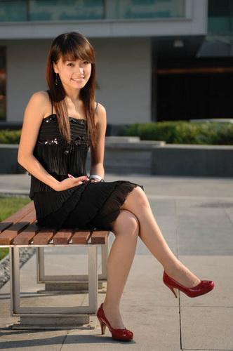 焦点 热点话题 2009上海车展 > 正文  作为此次大赛冠军的刘梦君小姐