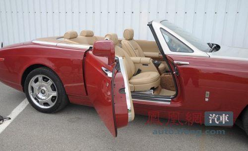 试驾劳斯莱斯幻影敞篷版 V12发动机的尊贵高清图片