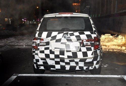 荣威SUV路试谍照曝光 搭载2.0L柴油发动机