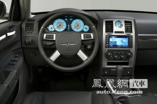 克莱斯勒北美车展推出两款高性能版300S