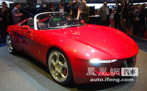 阿尔法·罗米欧发布2uettottanta概念车