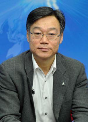 罗磊:新能源汽车受关注 低碳出行应提倡