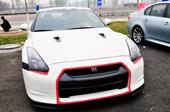 日产GT-R白色红进气口