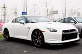 日产GT-R白色