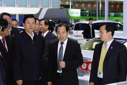 国务院副总理张德江参观2010北京国际车展