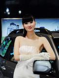 2010南京车展第二馆车模争芳斗艳