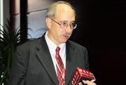 Argonne国家实验室 电气化学技术程序经理James F.Miller博士