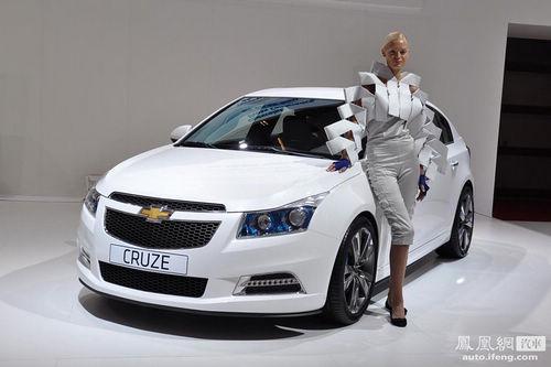 广州车展新车点评 科鲁兹两厢剑指高尔夫还是英朗XT?