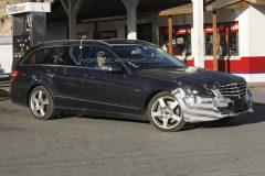 2013款奔驰E级旅行车谍照 外形变化显现