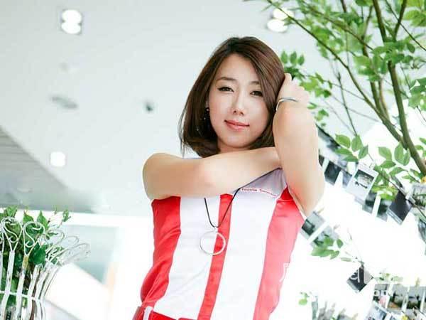 韩国2009十大汽车美女 凤凰网
