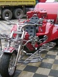 超牛的摩托房车 不只是拉风