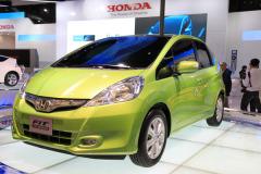 飞度混动版车型12月起售 售价17.98万元