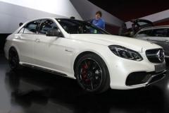 新款E63 AMG亮相车展 动力配置均升级