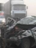 俄罗斯40余辆车连环相撞 无一人死亡