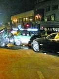 90后女生酒后无证驾驶宝马 连撞6辆出租车