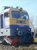 火车与汽车相撞 结果可想而知