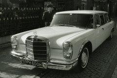 《凤凰解密》列侬座驾 奔驰600 Pullman