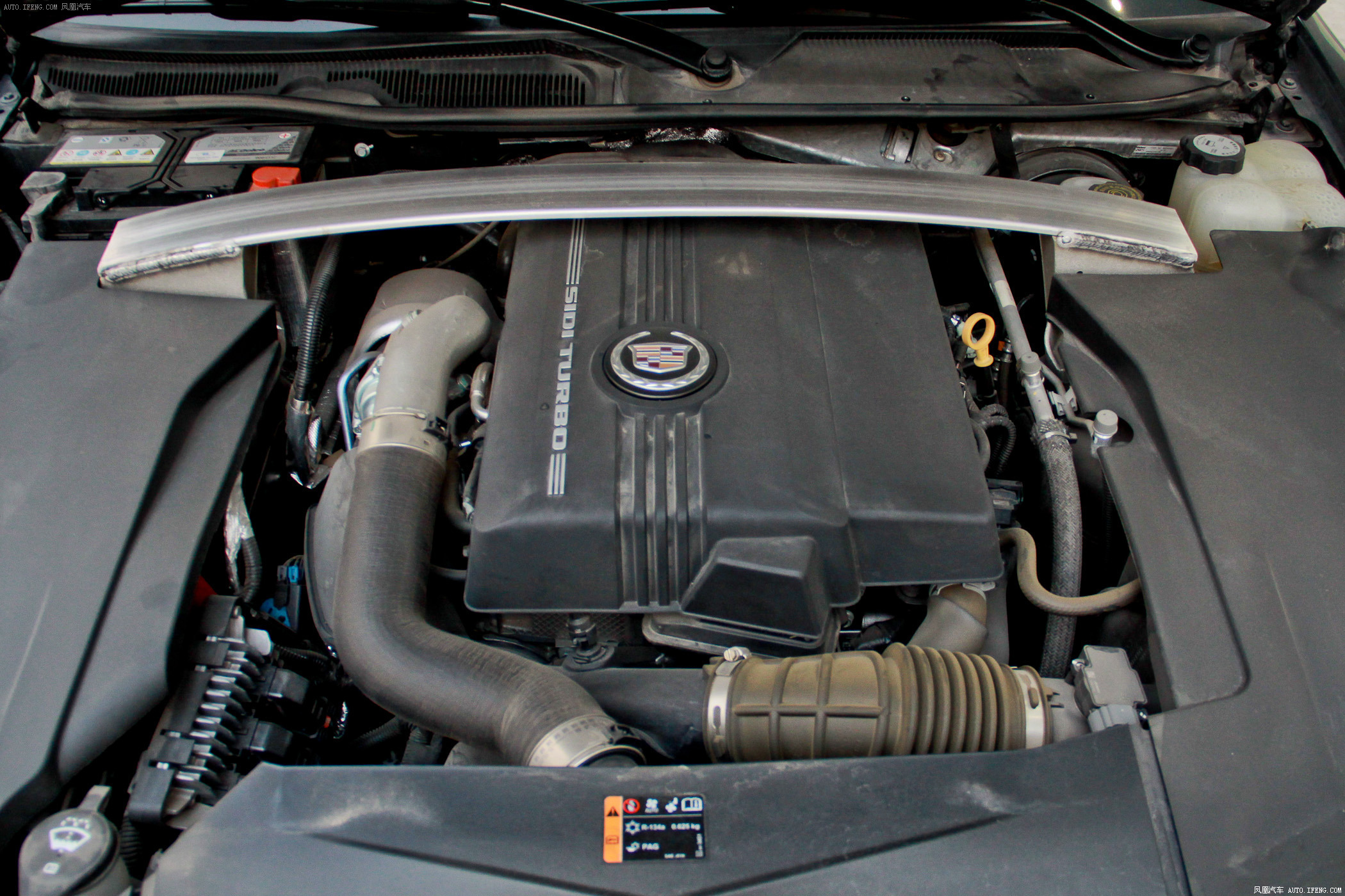 2011款 凯迪拉克 sls赛威 2.0t 豪华型