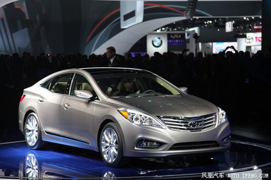 2011款现代雅尊优惠2.0万元 现车在售中