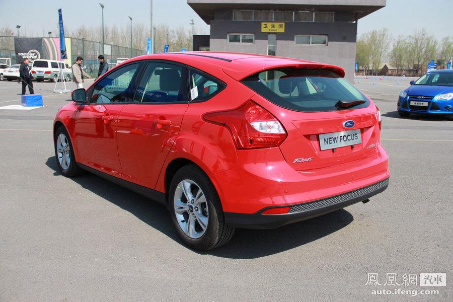2012款福克斯两厢 福克斯同级别竞争车型推荐 居家运动能手 高清图片