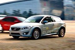 凤凰汽车试驾沃尔沃C30电动车 电池安全