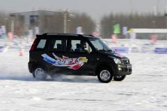 凤凰汽车冰雪试北斗星X5 多拉能跑好手