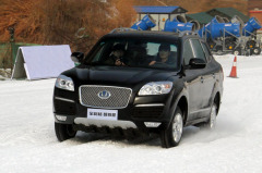 宝利格冰雪试驾 感受TCS+ESP主动安全