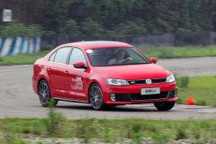 试驾大众速腾GLI 更实用的高性能座驾